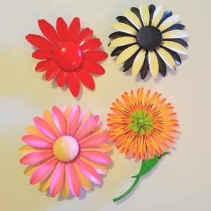 Vintage set of four large 1960s flower brooches